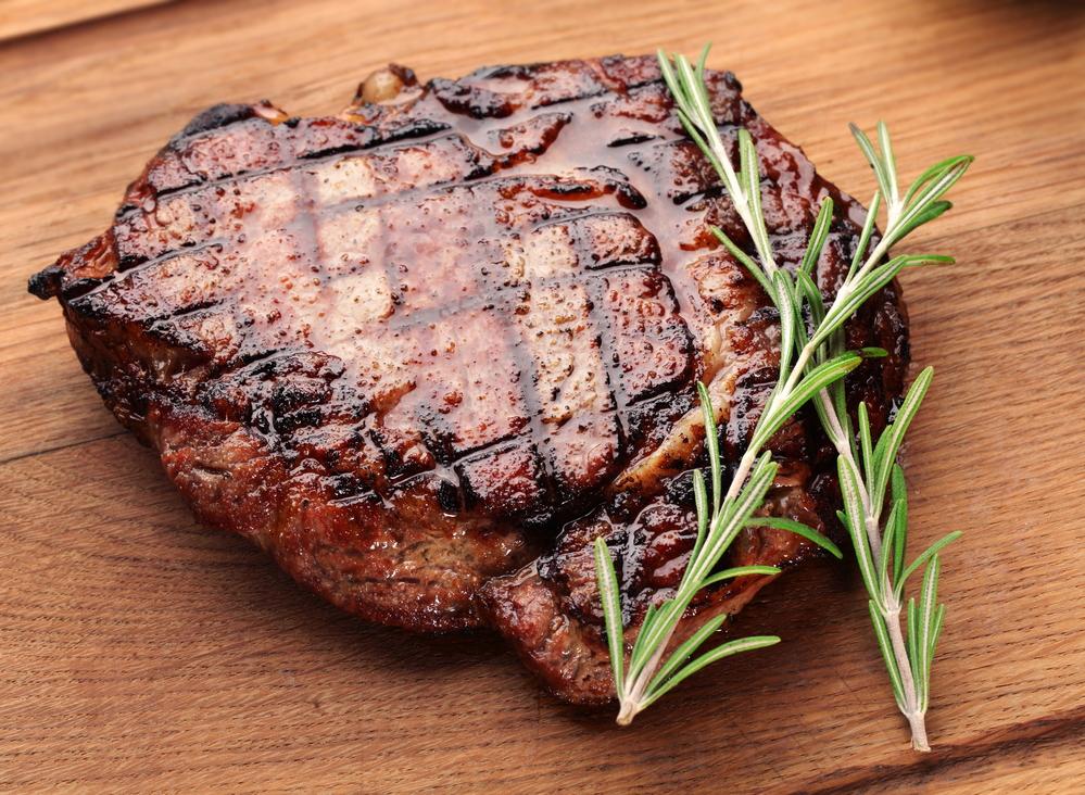 розмарин и мясо