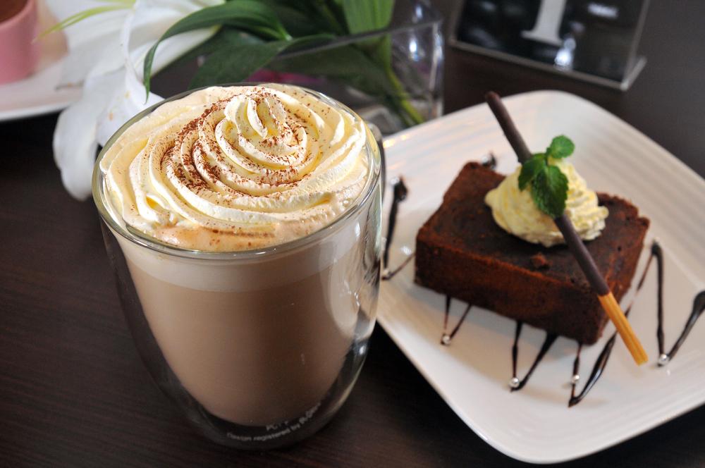 десерт и кофе фото