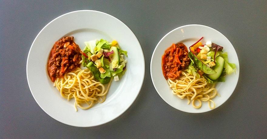 две тарелки с едой фото