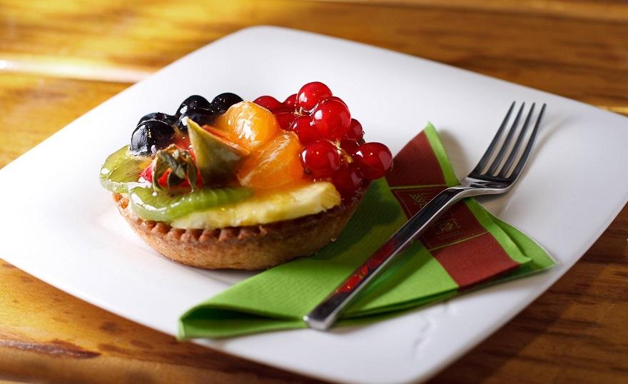 десерт с вилкой фото
