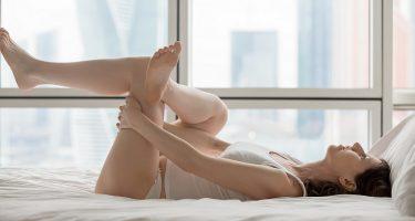 Упражнения, которые можно выполнять в постели